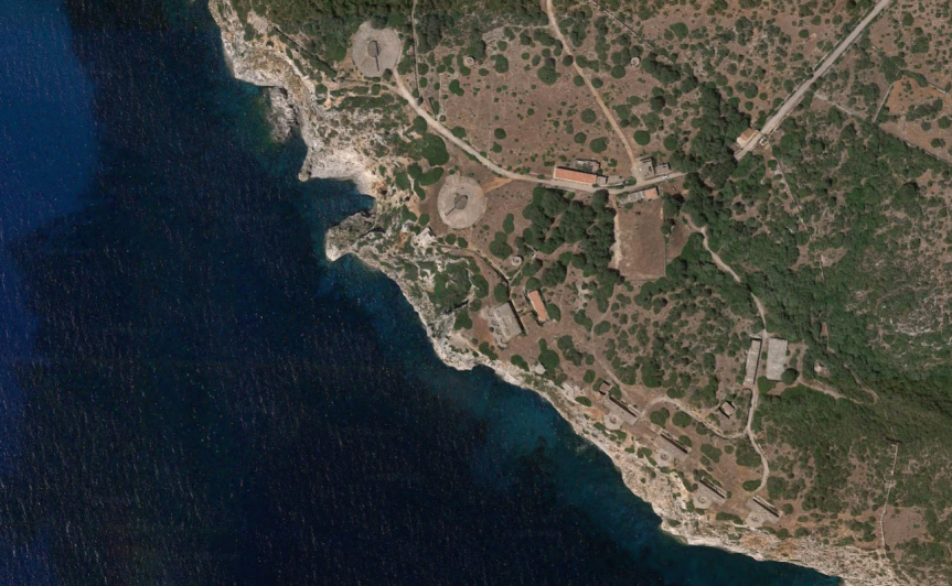 Satellite photo of the 15 inch battery at Llucalari