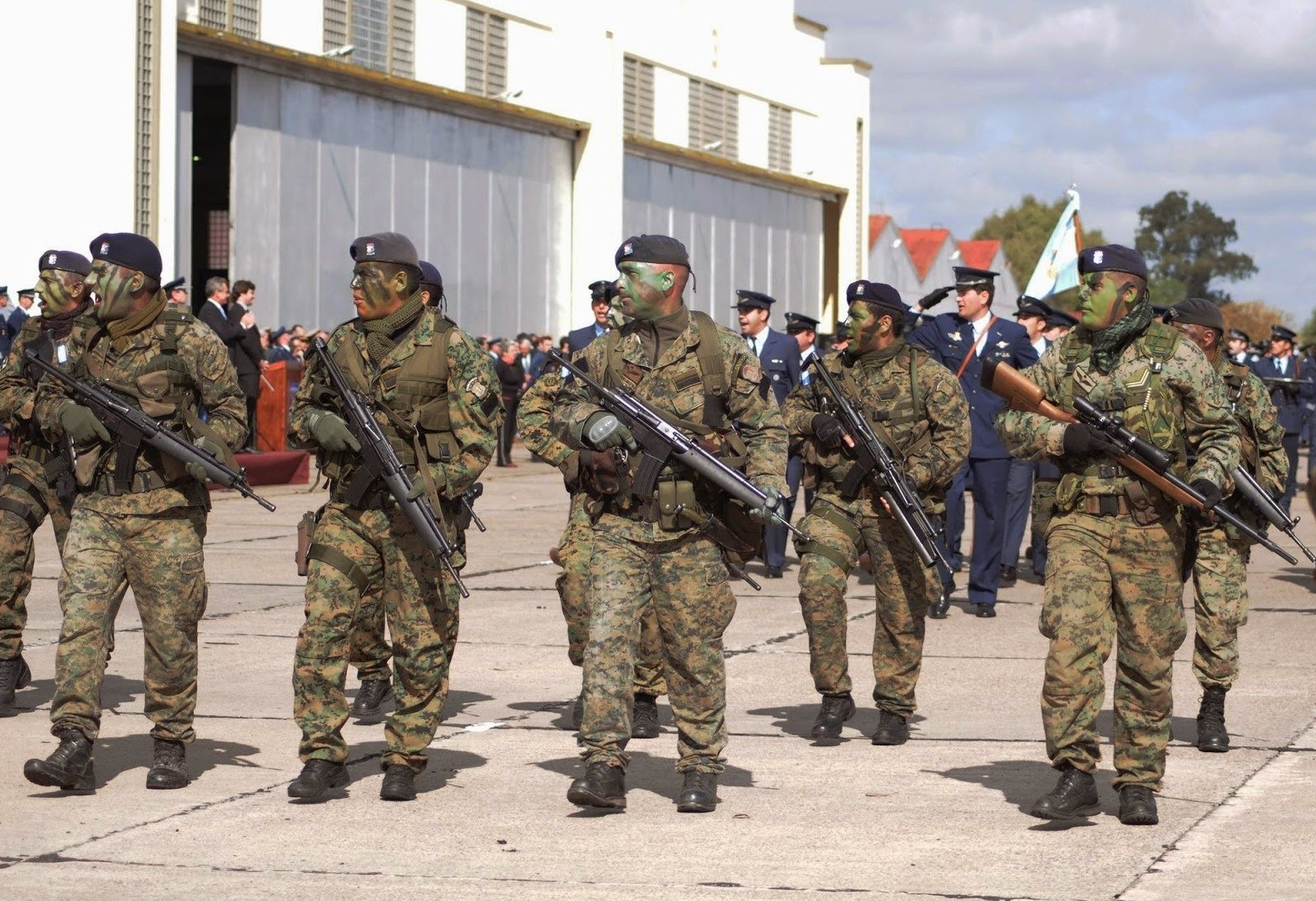 Argentine commandos with HK G41