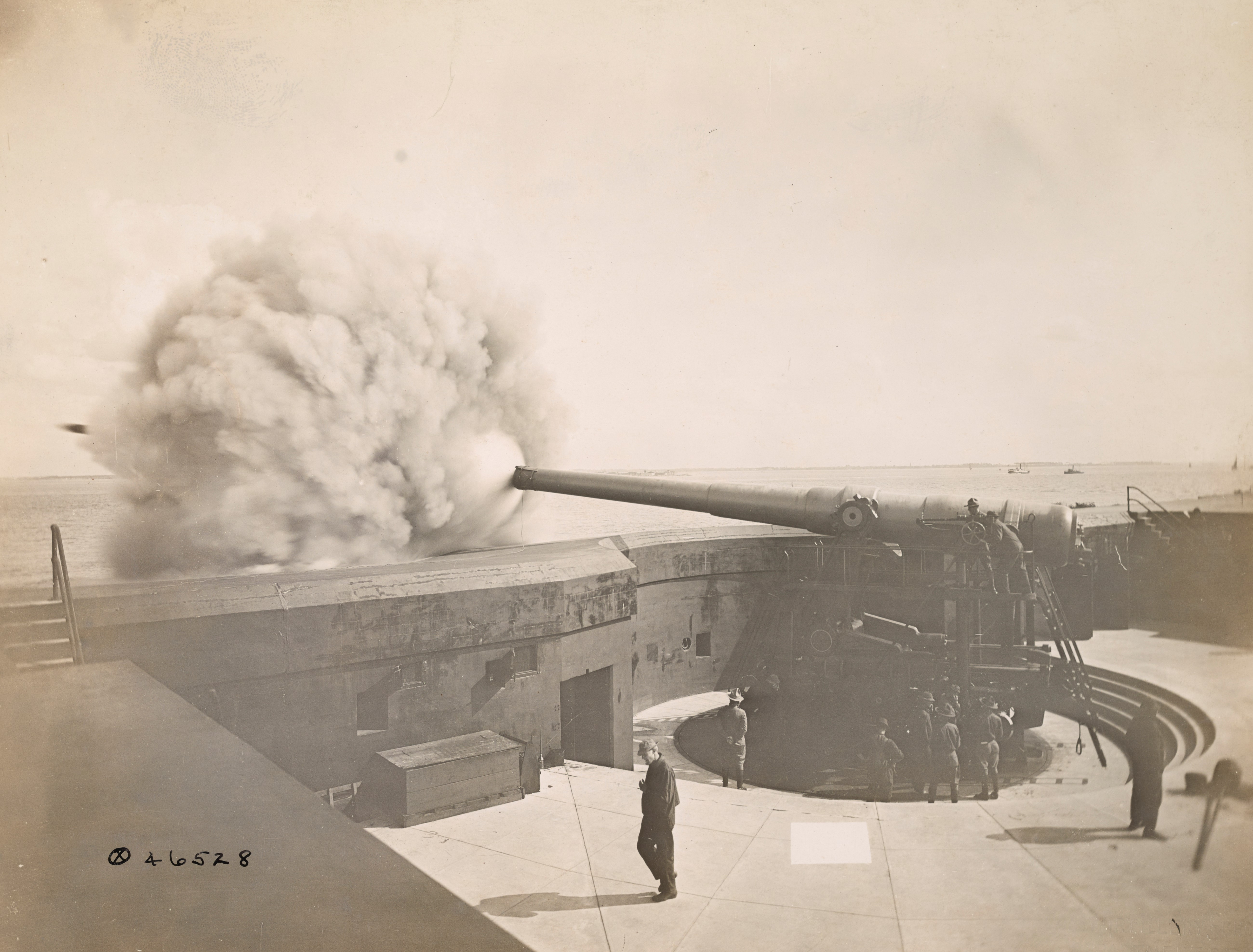 US Military Railway Guns In Action