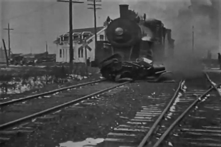 Car vs Train (1919)